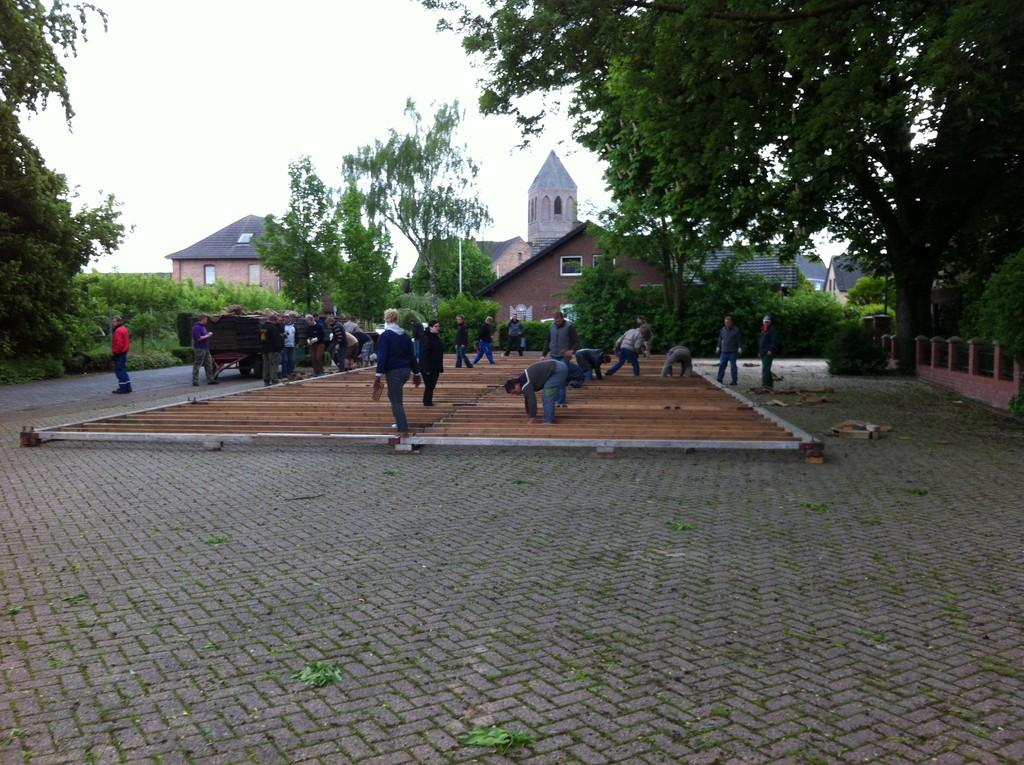 2013 Zeltaufbau Schützenfest